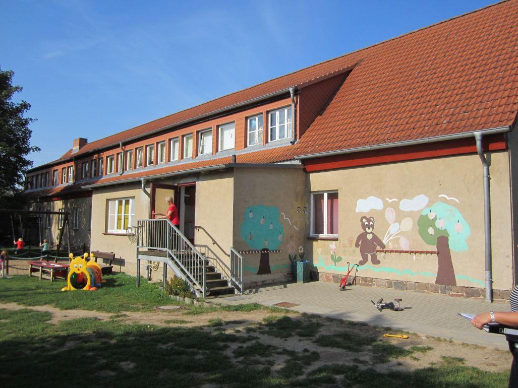 asb_wolgast_kita_Rueckansicht_Haus.JPG